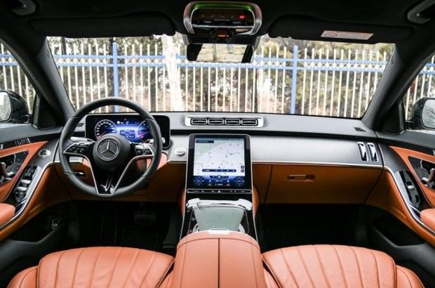 Интерьер Mercedes-Benz S 400 L, autohome.com.cn